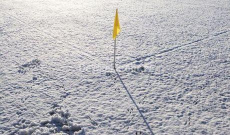 sneeuwvoetbalveld